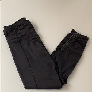 Lululemon shirred Capri leggings with zippers!